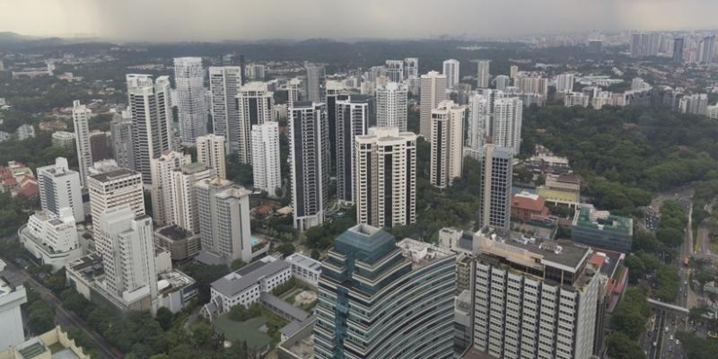 <p><img/></p>Fuelled by redevelopment deals and an increase in foreign buying, UOB Kay Hian expects home prices in Singapore to bottom out this year and climb by five to 10 percent in 2018...