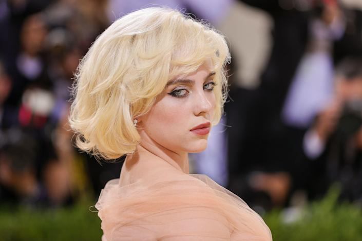<p>The Met Gala made a triumphant return, with a red carpet full of gorgeous, sparkly, and colorful beauty trends. Click through to see all the eye-catching hair, makeup, and manicure looks from the 2021 Met Gala red carpet.</p>