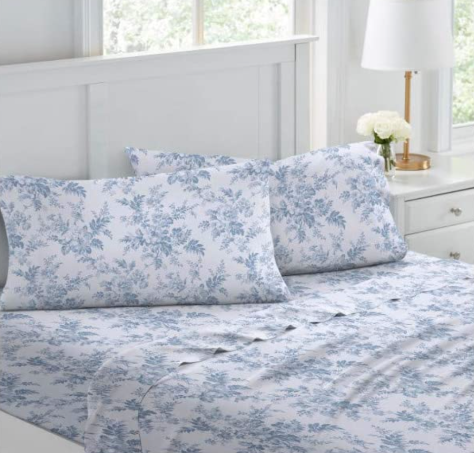 Laura Ashley Home Cotton Flannel Sheet Set in Blue (Photo via Amazon)