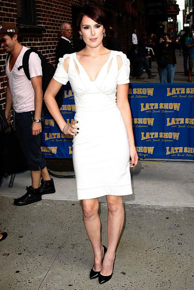 """""""Sorority Row"""" star Rumer Willis showed off her fab physique in a dazzling white dress with cutout detailing and simple black pumps before making an appearance on the """"Late Show With David Letterman."""" Think her mom, Demi Moore, gave her some styling tips? Jeffrey Ugberg/<a href=""""http://www.wireimage.com"""" target=""""new"""">WireImage.com</a> - August 31, 2009"""