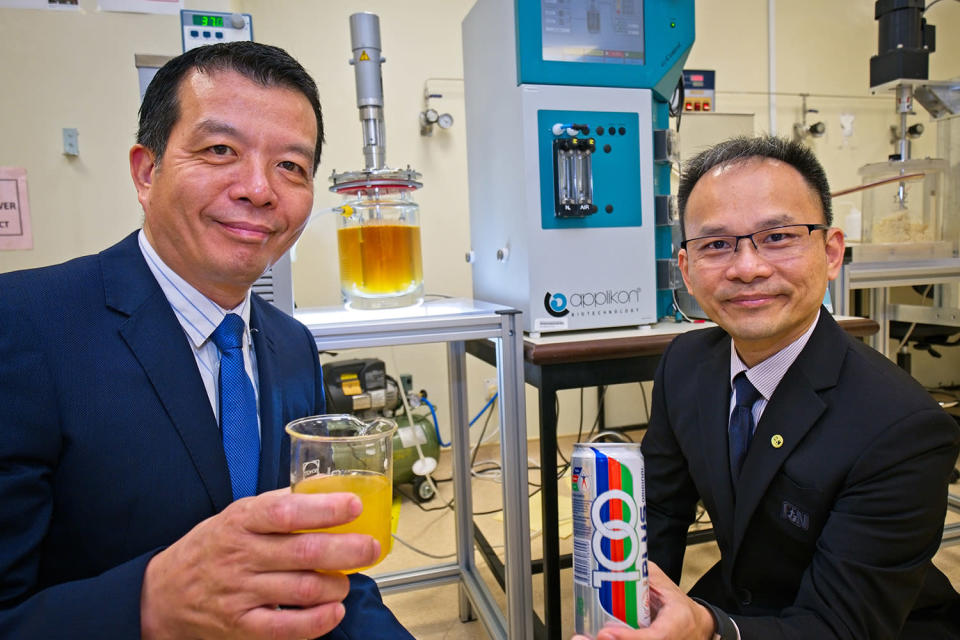 The F&N-NTU F&B Innovation Lab is helmed by Prof William Chen (left), Director of NTU Food Science and Technology Programme, and Dr Yap Peng Kang, Head of Corporate R&D at F&N. (PHOTO: NTU)
