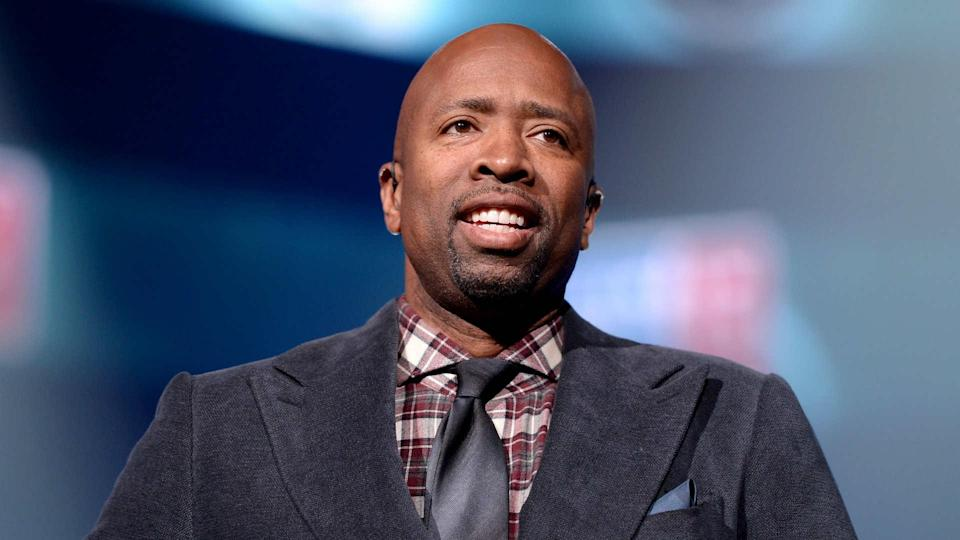 TNT analyst and former NBA vet Kenny Smith has never coached in the NBA. (AP)