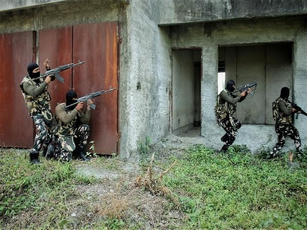 A joint exercise for both the Indian Army and Maharashtra Police at Lulla Nagar, Pune on Oct 9.