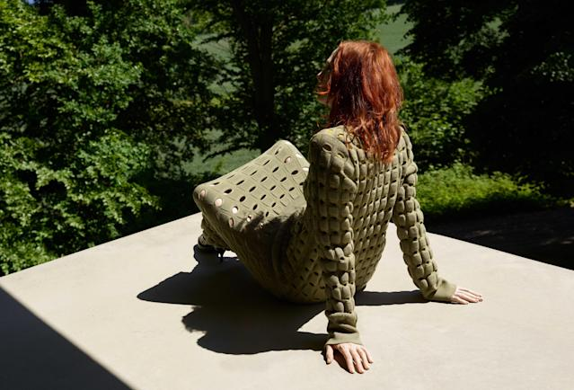 <p><strong>Model:</strong> Karen Elson<br><strong>Photographer:</strong> Viviane Sassen<br>(Photo: Courtesy of Cos) </p>