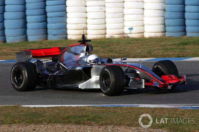"21. El McLaren MP4/21 de F1 <span class=""copyright"">Sutton Motorsport Images</span>"