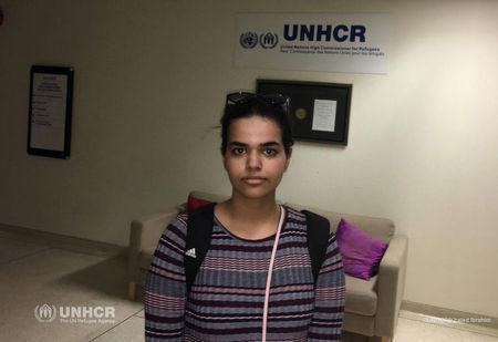 Rahaf Mohammed al-Qunun, an 18-year-old Saudi woman who fled her family, in the UNHCR building Bangkok