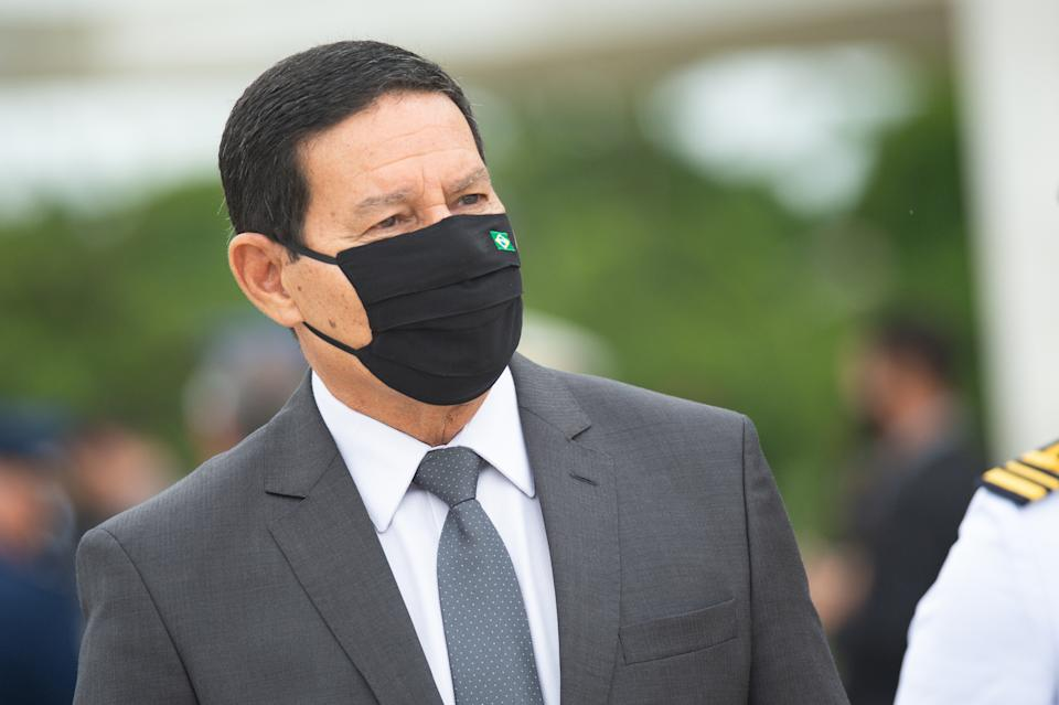 BRASILIA, BRAZIL - NOVEMBER 19: Brazilian Vice President Hamilton Mourão, looks after Commemorates Brazilian Flag Day amidst the coronavirus (COVID-19) pandemic at the Planalto Palace on November 19, 2020 in Brasilia. Brazil has over 5.945,000 confirmed positive cases of Coronavirus and has over 167,455 deaths. (Photo by Andressa Anholete/Getty Images)