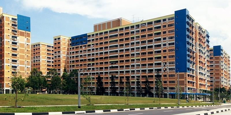 <p><img/></p>HDB resale flat prices fell by 0.2 percent in Q4 2017 from the previous three-month period. For the whole year, prices dropped by 1.5 percent, revealed more complete data released by the Housing Board...