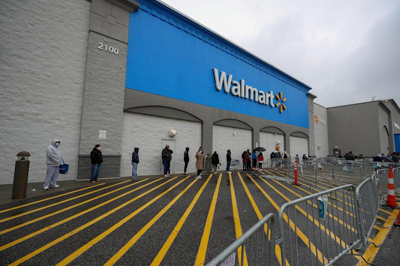 NEW JERSEY, USA - APRIL 18: Americans lined up to buy goods at supermarkets like Costco Wholesale and Walmart as fears over COVID-19 pandemic in New Jersey, United States on April 18, 2020. (Photo by Tayfun Coskun/Anadolu Agency via Getty Images)