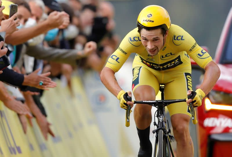 Roglic takes early Vuelta lead in explosive opening stage