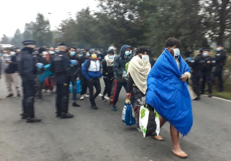 Police break up Calais migrant camp, biggest since 'the Jungle'