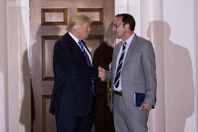 "Donald Trump greets <a class=""link rapid-noclick-resp"" href=""/mlb/teams/chc"" data-ylk=""slk:Cubs"">Cubs</a> co-owner Todd Ricketts after a 2016 meeting at Trump International Golf Club. (Getty Images)"