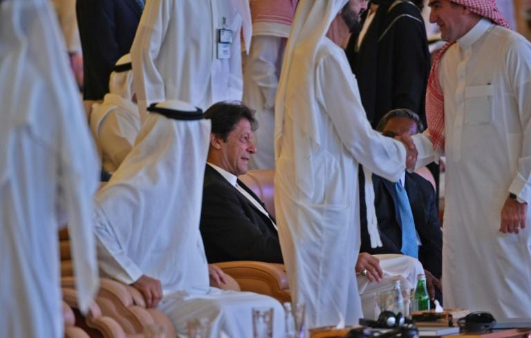 Khan Says Pakistan Wants Peace With All Its Neighbors