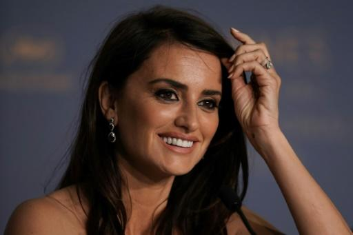 """Spanish actress Penelope Cruz talks to the press about """"Todos Lo Saben (Everybody Knows),"""" a film by Iranian director Asghar Farhadi at the Cannes film festival"""