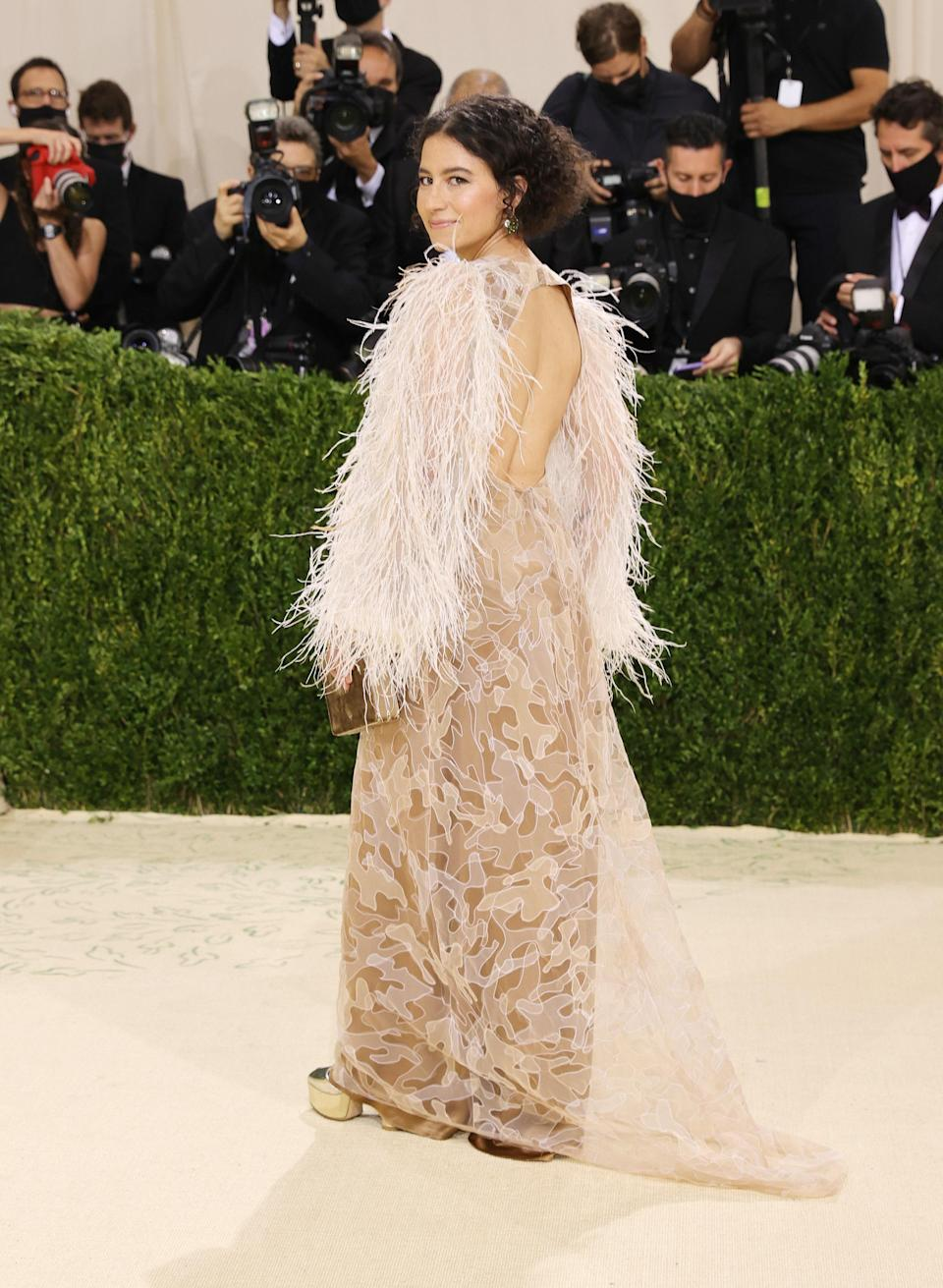 Met Gala red carpet host Ilana Glazer also wore an Aliétte gown, and looked nothing short of an ethereal dream in it.