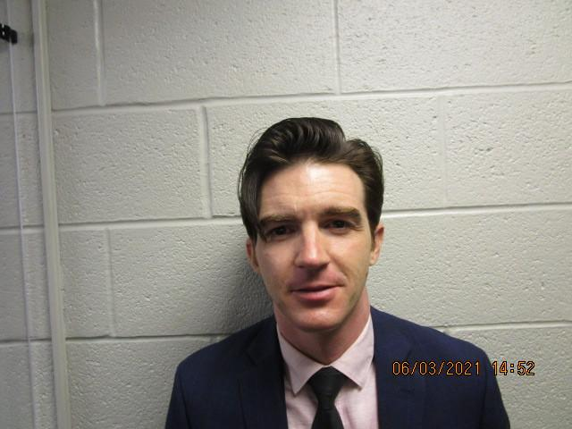 Drake Bell poses for a mugshot on June 3, 2021. (Photo: Cuyahoga County Jail)