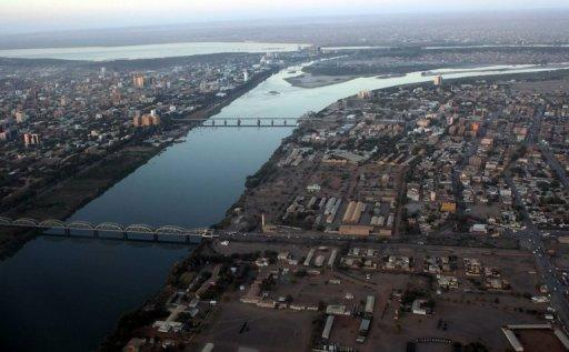 <p>An aerial view shows the Nile river cutting through the Sudanese capital Khartoum on January 13, 2011. Around 5,000 protesters in the Sudanese capital angry over an anti-Islam film on Friday stormed the embassies of Britain and Germany, which was torched and badly damaged, an AFP reporter said.</p>