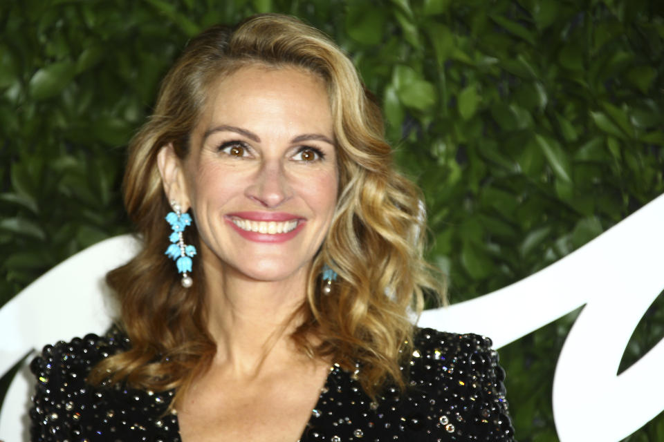 Julia Roberts poses for photographers upon arrival at the British Fashion Awards in central London, Monday, Dec. 2, 2019. (Photo by Joel C Ryan/Invision/AP)