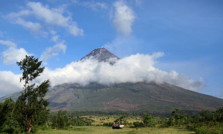 """<a href=""""https://ph.search.yahoo.com/search?&fr=fp-tts-711&cs=bz&p=mayon%20volcano"""" data-ylk=""""slk:10. Mayon volcano"""" class=""""link rapid-noclick-resp""""><b>10. Mayon volcano</b> </a><br><br>Mayon showed signs of a likely eruption, forcing residents to evacuate. The volcano spewed smoke and lava but a disaster thankfully did not occur. (AFP Photo)"""