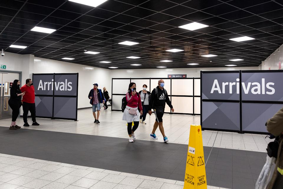 London, United Kingdom, August 2, 2021. Travellers arrive at London Luton Airport as Coronavirus restrictions ease for fully vaccined travelers coming to England. (Photo by Dominika Zarzycka/Sipa USA)