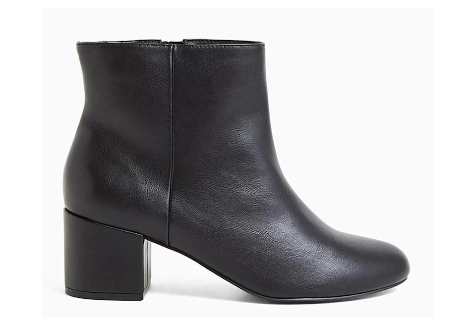 torrid shoes, extended women's sizing, black leather boots