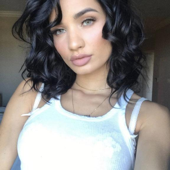 Stylish singer and picture perfect selfie queen Pia Mia has shared the ultimate beauty hack that changed her life. Source: Instagram