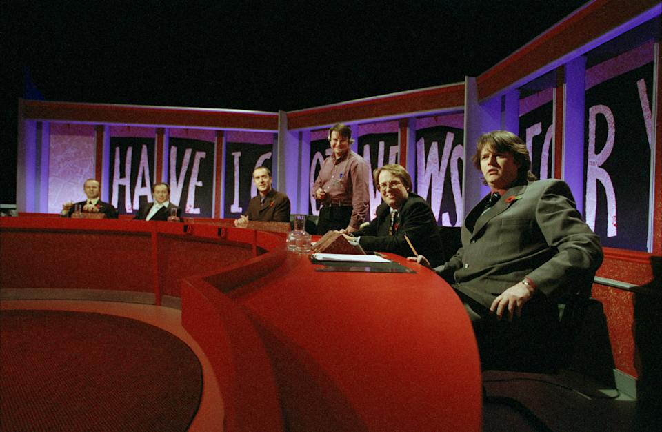 Contestants in the British television panel show 'Have I Got News For You', 5th November 1998. From left to right, Ian Hislop, Jackie Mason, Angus Deayton, a studio technician, Michael Crick and Paul Merton. (Photo by Peter Macdiarmid/Getty Images)