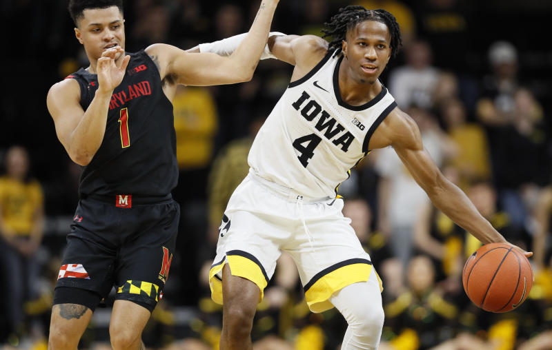 Wieskamp scores 26 points, Iowa routs No. 12 Maryland 67-49