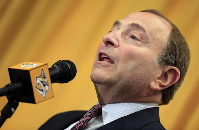 NHL Commissioner Gary Bettman announces Friday, Oct. 17, 2014, in Nashville, Tenn., that the 2016 NHL hockey All-Star game will be held in Nashville. (AP Photo/Mark Humphrey)