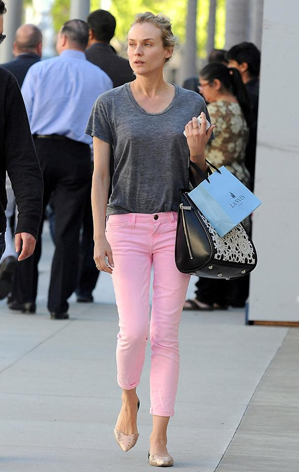 "<p class=""MsoNormal""><span style=""font-family:Calibri;"">Diane Kruger looked cute and casual while shopping in Beverly Hills in a pair of cropped, Pepto-Bismol pink skinny jeans. We love the Easter-inspired look! (3/12/2013)</span><b><span style=""font-family:Calibri;""></span></b></p>"