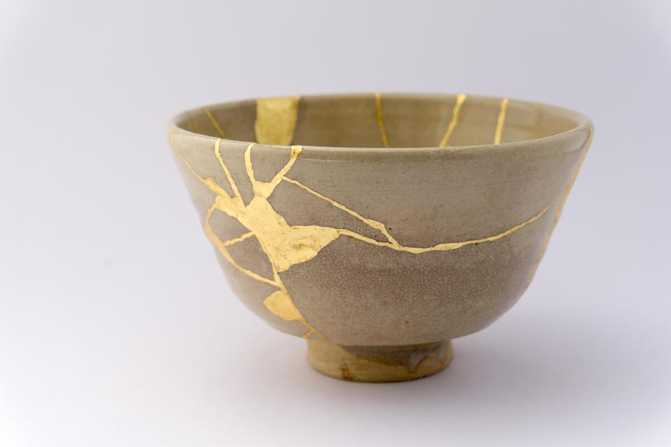 """Kintsugi, a traditional Japanese restoration technique uses gold to mend broken pottery.<span class=""""copyright"""">Getty Images/iStockphoto</span>"""