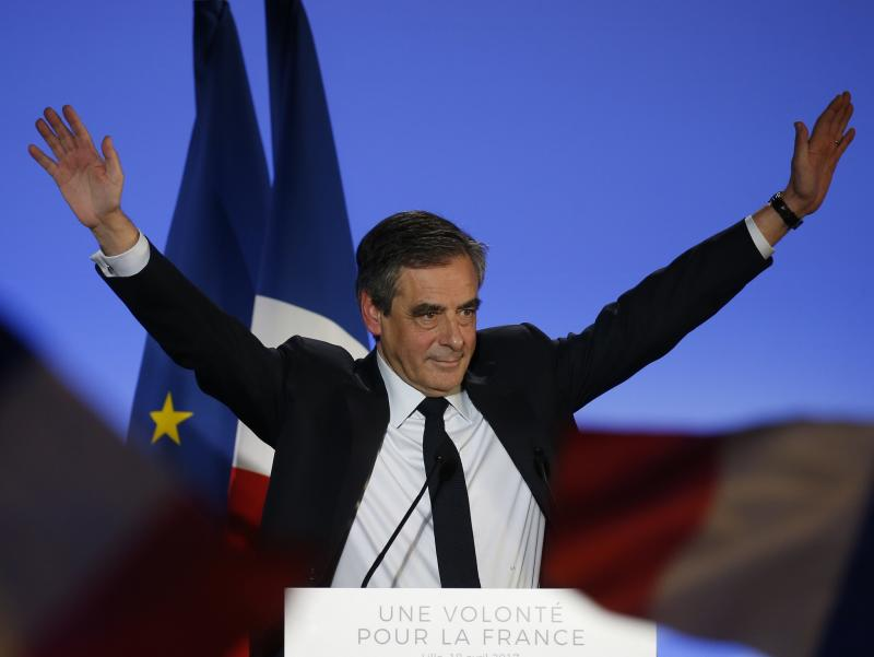 "François Fillon refused to answer questions about the ""fake jobs"" scandal: REUTERS"