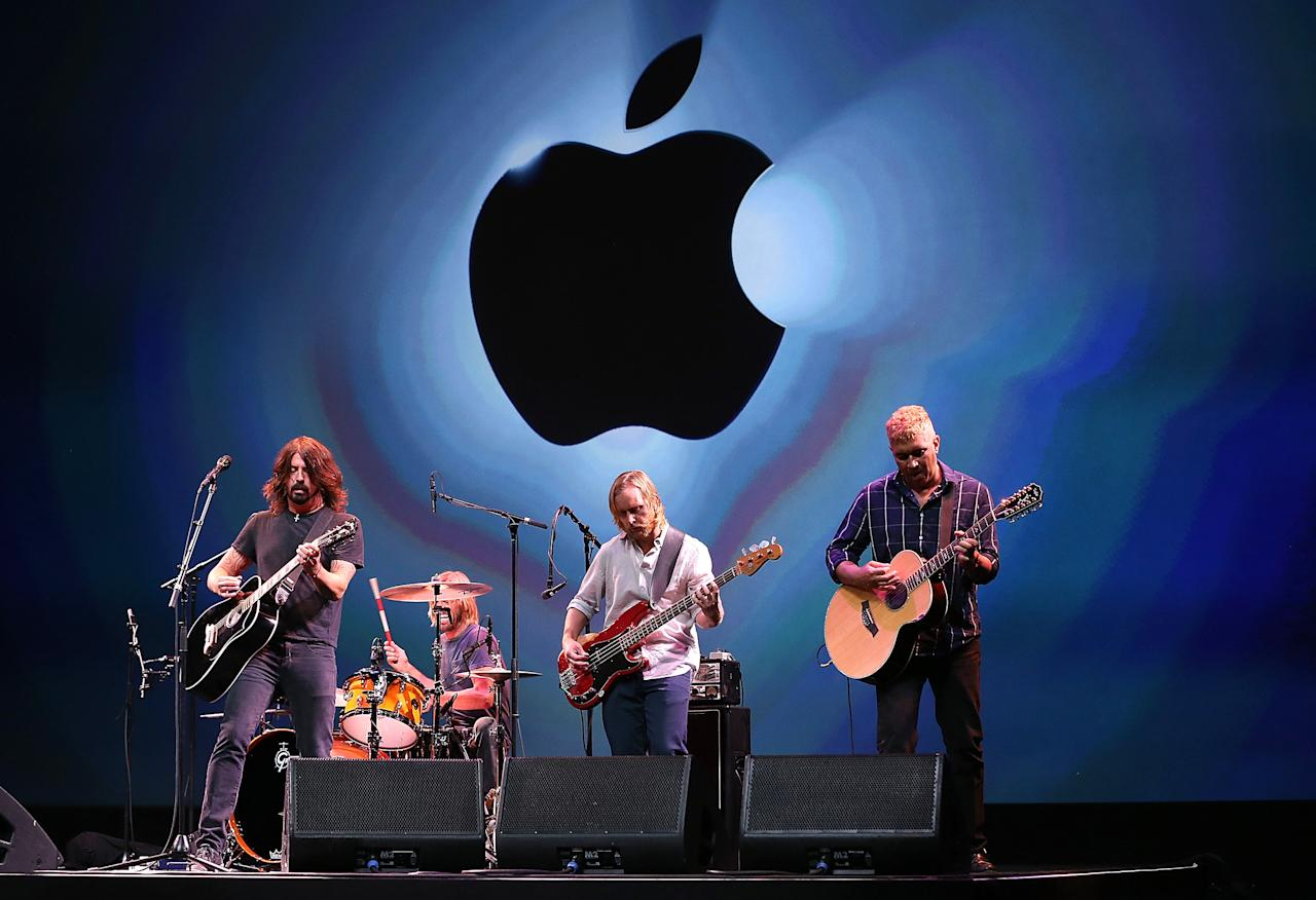 SAN FRANCISCO, CA - SEPTEMBER 12:  The Foo Fighters perform during an Apple special event at the Yerba Buena Center for the Arts on September 12, 2012 in San Francisco, California. Apple announced the iPhone 5, the latest version of the popular smart phone.  (Photo by Justin Sullivan/Getty Images)