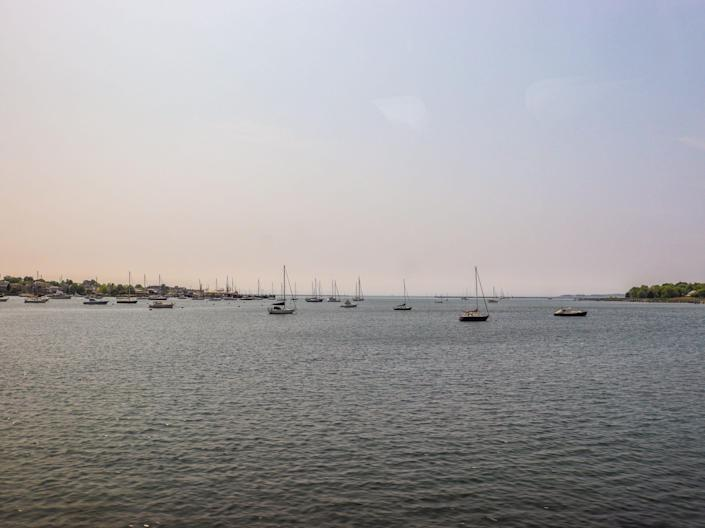 The view from Amtrak's Northeast Regional train from New York to Boston - Amtrak Northeast Regional New York to Boston