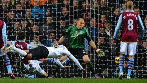 Javier Hernandez came off the bench to net twice and inspire United to a 3-2 victory at Villa Park