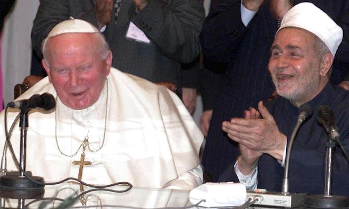 Pope John-Paul II held a historic meeting with Sheikh Mohammed Sayyed Tantawai -- the then-grand imam of Al-Azhar -- during a 2000 visit to Cairo (AFP Photo/Paul Hanna)