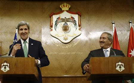 U.S. Secretary of State John Kerry (L) participates in a joint news conference with Jordan's Foreign Minister Nasser Judeh in Amman, Jordan, November 7, 2013. REUTERS/Jason Reed