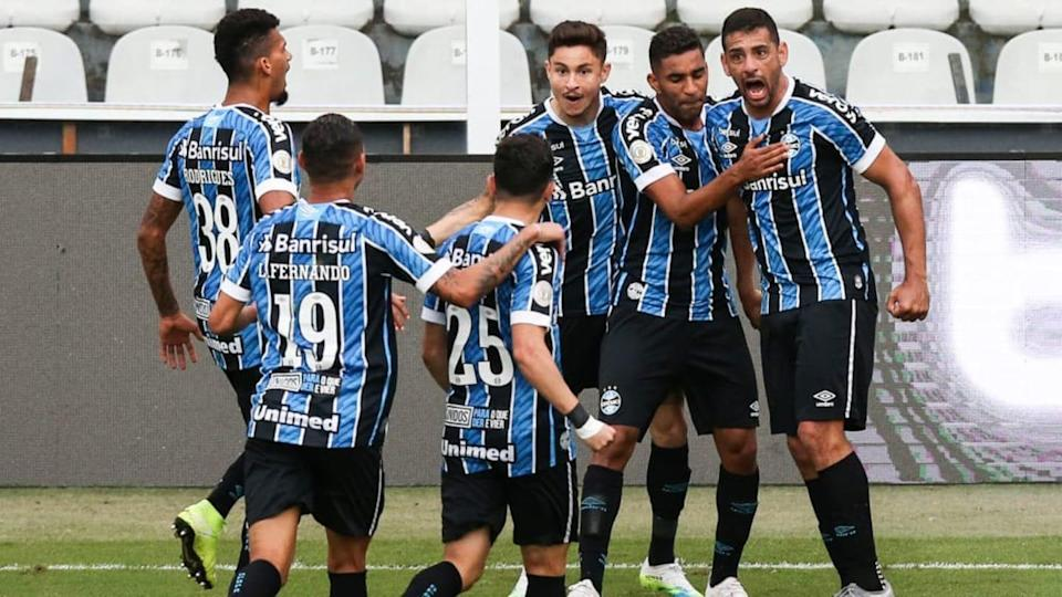 2020 Brasileirao Series A: Santos v Gremio Play Behind Closed Doors Amidst the Coronavirus (COVID - | Alexandre Schneider/Getty Images