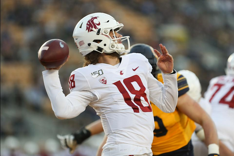 Washington State QB Anthony Gordon gets ready to pass the ball against the Cal Bears. (Photo by Kara Hoffman/Icon Sportswire via Getty Images)