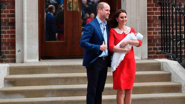 PHOTO: Prince William and Catherine Duchess of Cambridge leave the hospital with their newborn baby boy at the Lindo Wing, St Mary's Hospital, London, April 23, 2018. (Ben Stansll/AFP/Getty Images)