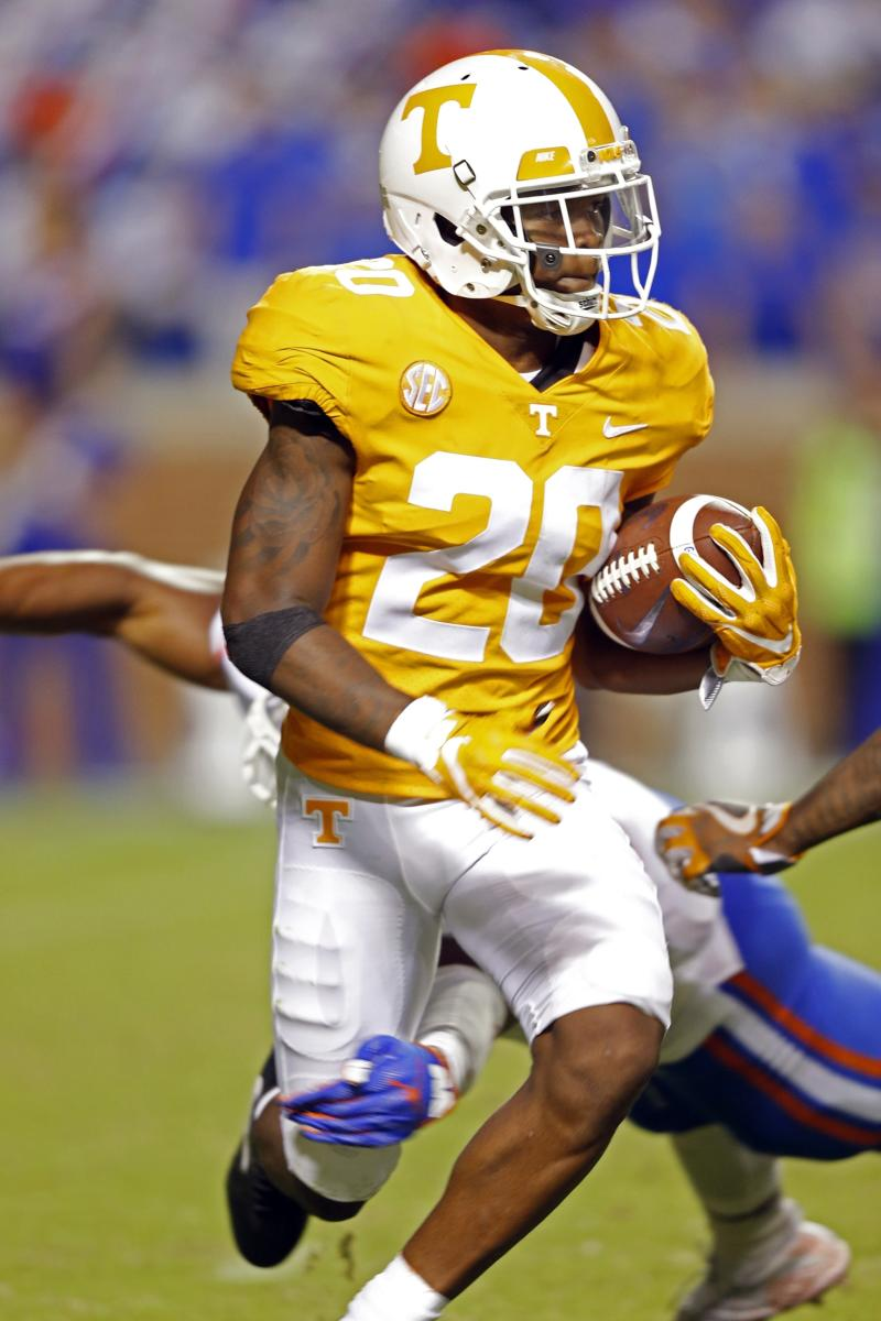 Tennessee suspends cornerback after domestic assault charge