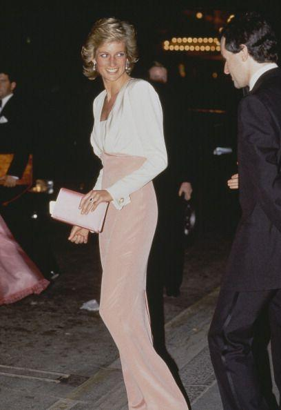 <p>While attending a performance of <em>Swan Lake </em>in London, Diana channeled her ethereal side. <br></p>