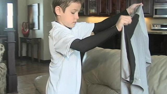 Delta Reunites Boy With 'Daddy Shirt' of Dad Who Passed Away (ABC News)
