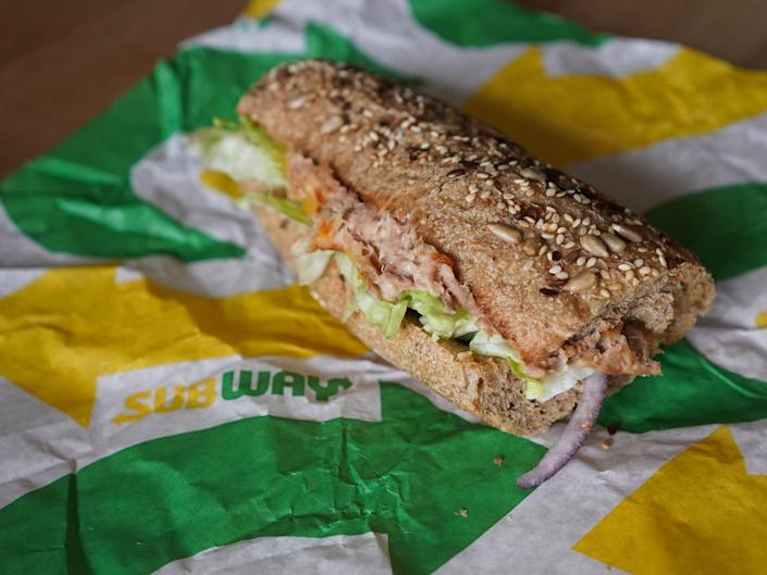 , California judge throws out a lawsuit against Subway, which accused the chain of using fake tuna in its sandwiches, The Evepost National News