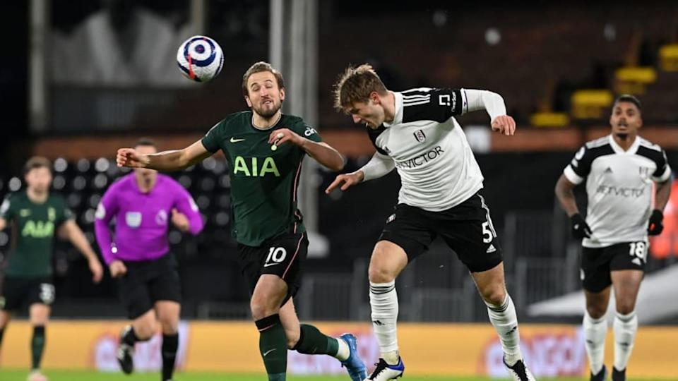 Joachim Andersen e Harry Kane in azione a Craven Cottage | Pool/Getty Images