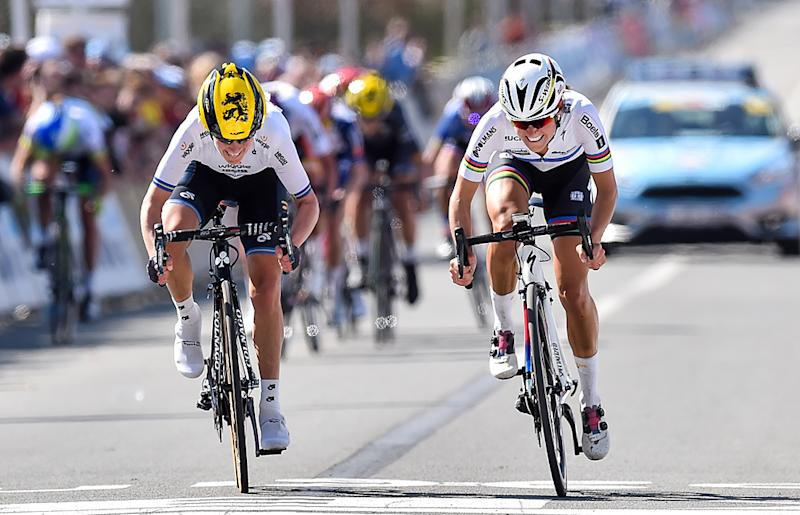 Lizzie Armitstead and Emma Johansson sprint for the win at 2016 Tour of Flanders Women