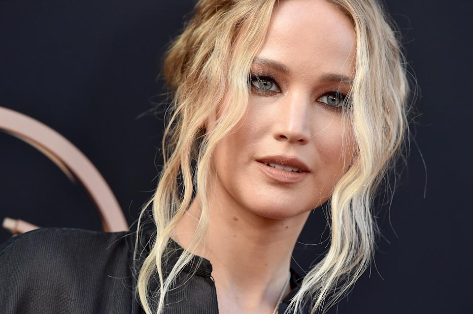 HOLLYWOOD, CALIFORNIA - JUNE 04: Jennifer Lawrence attends the premiere of 20th Century Fox's