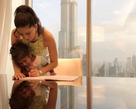 Sunny Leone helps daughter finish homework while on vacation