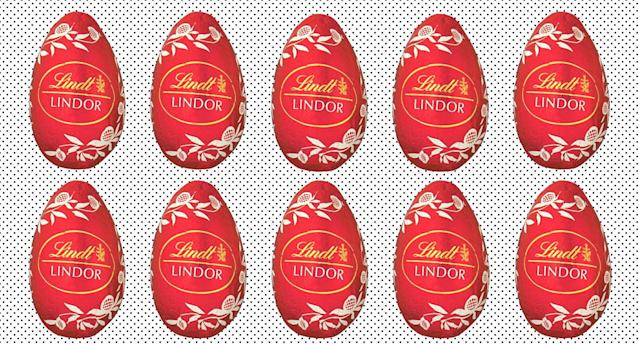 Chocolate fans can bulk buy Lindt Lindor's for £32. (Getty Images)
