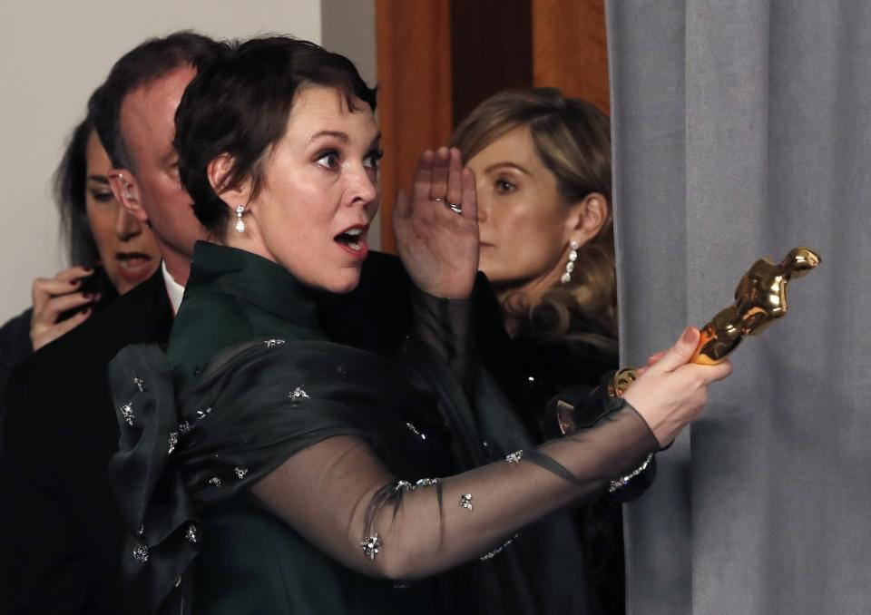 91st Academy Awards – Oscars Photo Room – Hollywood, Los Angeles, California, U.S., February 24, 2019. Best Actress Olivia Colman arrives backstage with her award. REUTERS/Mike Segar
